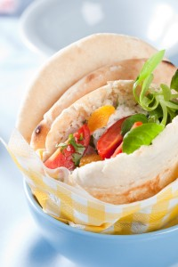 Pita bread filled with tuna, tomato, apricot and yogurt