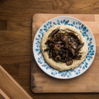 Healthy Hummus Recipe with Mushrooms and Garlic Saute